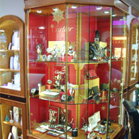 Jacobs Jeweller discovers hidden gem with new cabinet lighting system.